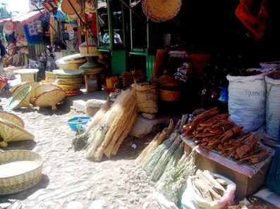Simply Addis Ababa is shoppers' paradise, where you can find aromatic Ethiopian spices, collectable silver spoons, Ethiopian crosses, ivory, leather products, Ethiopian traditional clothing and so much more.