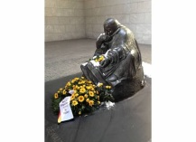 Incredibly moving sculpture of a weeping mother at the tomb of the unknown soldier and concentration camp victim